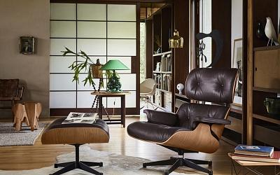Kaufen Sie vom 1. November 2017 bis 31. Januar 2018 einen Eames Lounge Chair oder einen Plastic Chair RAR von Vitra und erhalten Sie Ihr Geschenk