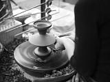 Vase V77 auf der Drehscheibe - Bild: Linck Keramik